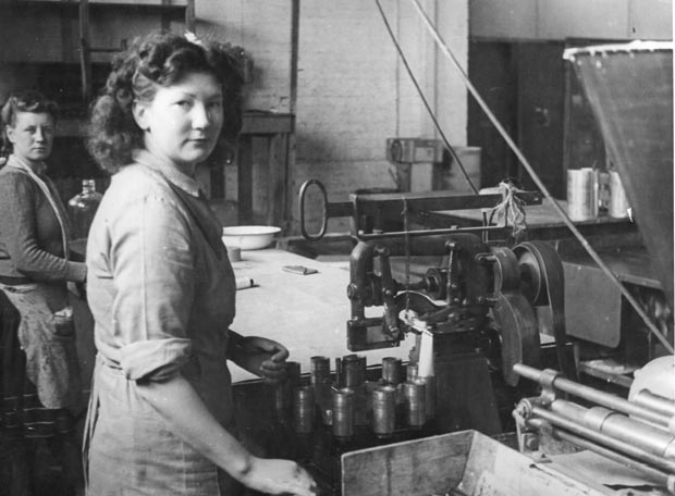 Manufacturing at Pt Melbourne c1944